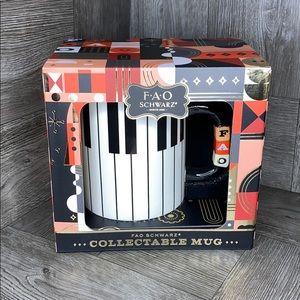 FAO SCHWARZ CHRISTMAS collection mug NEW!